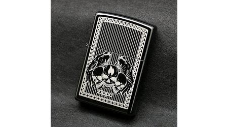купите Зажигалка Zippo 28678 Winged Skulls Ebony (черный глянец, гравированный рисунок черепов с крыльями, логотип Зиппо) в Москве